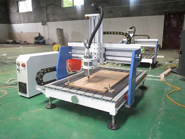 The difference with wood cnc router and advertising cnc router