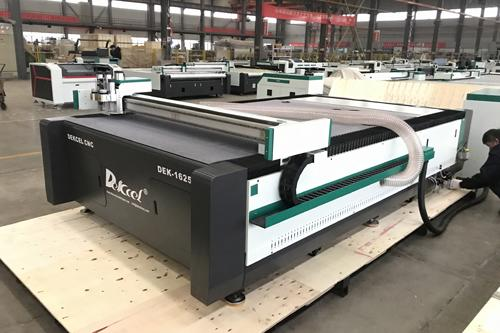 CCD Camera contour oscillating knife blade cutter machine delivery to Romania customer