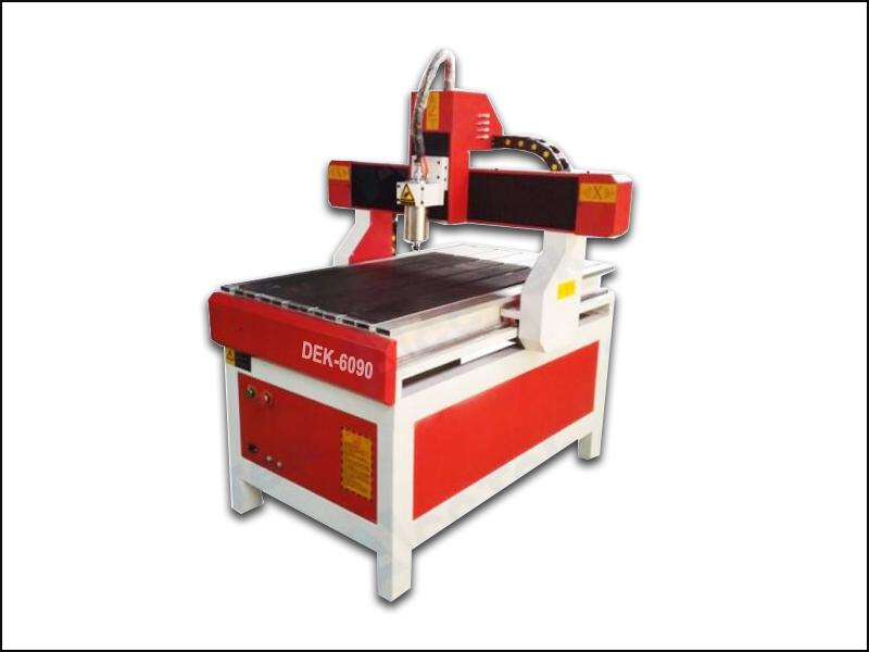 A comparison between hobby cheap cnc wood router and cnc woodworking router machine